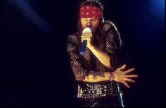 indyrose75:  Only Axl can look perfect in mesh, a kilt, beard & bandana