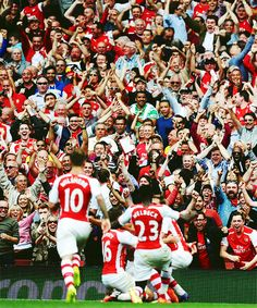"""And it's Arsenal, Arsenal FC! We're by far, the greatest team, the world has ever seen"""