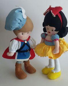 feltro: príncipe e branca de neve Smurfs, Teddy Bear, Toys, Animals, Fictional Characters, Art, Snow White, Fabric Dolls, Feltro