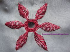 Let's learn embroidery: Fly stitch flower  http://letslearnembroideryblogspot.com
