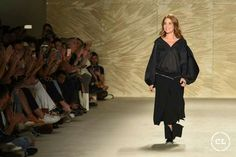 @mariaelenavillamil  #mujereseneljardin #romanticismo #feminidad  #vibroconlamoda #colombiamods2017  🍃👏🍃👏🍃👏🍃 Dresses, Fashion, Romanticism, Women, Vestidos, Moda, Fashion Styles, Dress, Fashion Illustrations