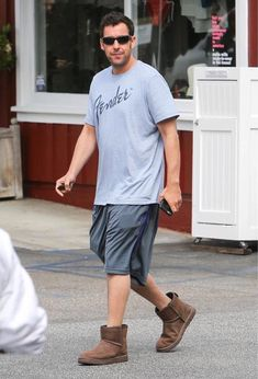 PsBattle: Adam Sandler in ugg boots Ugg Snow Boots, Ugg Boots Cheap, Warm Boots, Winter Boots, Hot Summer Outfits, Winter Outfits, Cheap Christian Louboutin, Matching Costumes, Classic Ugg Boots