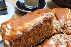 Pecan Praline Cake - the kind of cook recipe Southern Caramel Cake, Seafood Mac And Cheese, Cake Tray, Cake Pans, Homemade Caramel Sauce, Caramel Recipes, Smooth Cake, Good Food, Yummy Food