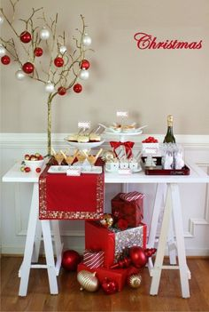 Holiday entertaining - Christmas cocktails and appetizer party. Host a holiday cocktails & appetizer party for Christmas with these ideas and tips. See my tips for making it festive and inviting. Christmas Party Decorations, Xmas Party, Holiday Parties, Winter Parties, All Things Christmas, White Christmas, Christmas Holidays, Simple Christmas, Christmas Treats