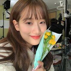 April Kpop, Teen Images, Just Girl Things, Chinese Actress, Ulzzang Girl, Korean Girl Groups, Kpop Girls, Cool Girl, Asian Girl