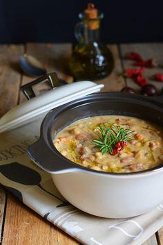 Zuppa di legumi con porcini e castagne