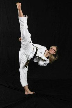The Basics Of Judo – Martial Arts Techniques Martial Arts Quotes, Best Martial Arts, Martial Arts Styles, Martial Arts Workout, Martial Arts Women, Mixed Martial Arts, Taekwondo Girl, Karate Girl, Female Martial Artists