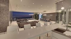 Tanager Residence in West Hollywood | #openconcept #openplan #breakfastbar