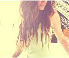 This is how my hair looks in the summer.. Waveyy.