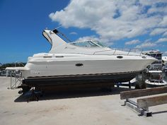 Used 2001 Cruisers Yachts 3075 Express, Cape Haze, Fl - 33946 - BoatTrader.com