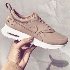 Perfect nude nikes for fall