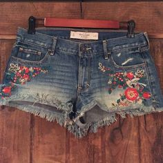 Shop Women's Abercrombie & Fitch size 27 Jean Shorts at a discounted price at Poshmark. Description: Embroidered Jean shorts with flowers and a bird. Sold by emcurvin. Fast delivery, full service customer support.