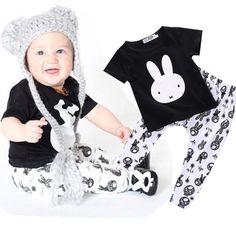 753e41608 Nuevo 2017 del bebé de la ropa de algodón de manga larga de impresión  camiseta + pantalones bebé de la manera niños ropa de recién nacido  infantil 2 unids ...