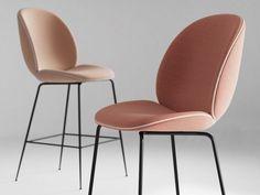 Gubi Beetle barstoel #caféstoel #barstoel #restaurantstoel #gestoffeerd #designerstoel #interiorworks