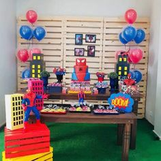 32 Ideias de Decoração Festa Infantil Homem-Aranha #homemaranha #festainfantil 3rd Birthday Parties, Boy Birthday, Comic Book Parties, Girl Superhero Party, Avengers Birthday, Birthday Decorations, Party Themes, Ideas Para, Ideas Decoración