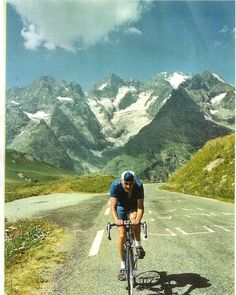 Cycling cultures, cycling politics: riding through the time of the car