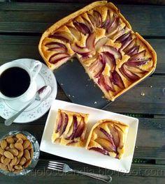 Tarta de frutas de Nectarinas. Receta casera paso a paso. http://golosolandia.blogspot.com/2013/08/tarta-de-fruta-de-temporada.html