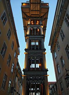 10 thang máy đẹp nhất thế giới Trampoline Safety, Lisbon, Empire State Building, San Francisco Ferry, Big Ben, Portugal, Trampolines, Travel, Memories