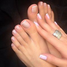 Resultado de imagem para pies de mujeres descalzos