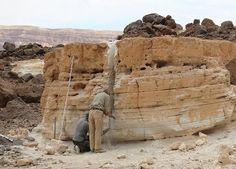 Das Tibesti Gebirge, Beprobungen, Explore Chad Holiday Travel, Mount Rushmore, Explore, Mountains, Nature, Holidays, Mountain Range, Exploring, Alps