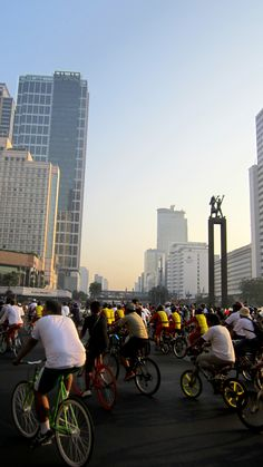 Biking in Jakarta famous bi-weekly Car Free Day