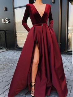 Prom Dresses With Pockets, Prom Dresses Long With Sleeves, Ball Dresses, Simple Dresses, Pretty Dresses, Women's Dresses, Ball Gowns, Evening Dresses, Wedding Dresses