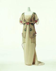 Evening dress, Paul Poiret, 1910-1911.
