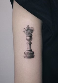 100 Insanely Crazy Black & Gray Tattoos That Are Truly Inspiring - TheTatt Simplistic Tattoos, Unique Tattoos, Beautiful Tattoos, Chess Piece Tattoo, Pieces Tattoo, Mini Tattoos, Body Art Tattoos, Sleeve Tattoos, Lace Tattoo Design