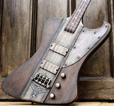 Bass Player Magazineさん(@bassplayermag)のInstagramアカウント: 「A Hutchinson Guitars Custom Storm Crow Bass. @hutchinsonguitars #bassgram #instabass #bassporn…」