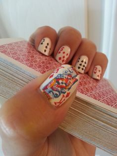 Still cannot get over the intense detail in these poker night nails Love Nails, Pretty Nails, Fun Nails, Alice In Wonderland Wedding, Poker Night, Nail Tutorials, You Nailed It, Hair And Nails, Nail Colors