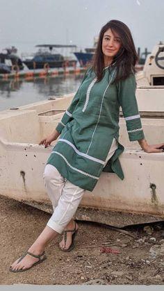 Stylish Dress Book, Stylish Dresses For Girls, Fancy Dress Design, Stylish Dress Designs, Casual Work Attire, Simple Pakistani Dresses, Pakistani Fashion Party Wear, Sleeves Designs For Dresses, Kurta Designs Women