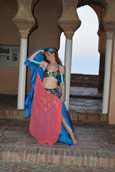 Asociación de Mujeres Najmarabic. Two Piece Skirt Set, Skirts, Dresses, Fashion, Bellydance, Ballerinas, Culture, Events, Girls