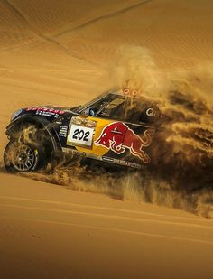 A Dakar Rally car gets covered in yellow sand. Wal Paper, Paper Car, Lifted Trucks, Big Trucks, Rallye Paris Dakar, Rallye Raid, Vw Amarok, Trophy Truck, Ken Block