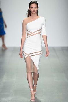 David Koma Spring 2015 Ready-to-Wear Fashion Show