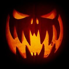 Scary Halloween Pumpkin Carving Ideas 2017 Halloween is made of several malign and malicious activities that sometimes touch the extremity, one should never decide to harm others because all of the fellow beings deserve to feel free, they have the right Awesome Pumpkin Carvings, Scary Pumpkin Carving, Halloween Pumpkin Carving Stencils, Halloween Pumpkin Designs, Scary Halloween Pumpkins, Pumpkin Carving Templates, Halloween Tags, Simple Pumpkin Carving Ideas, Pumpkin Ideas