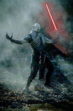 My finished Sith Stalker costume. Worn by Julian Checkley. Star Wars Fan Art, Star Wars Film, Star Wars Concept Art, Star Wars Rpg, Star Wars Jedi, Darth Starkiller, Jedi Sith, Sith Armor, Sith Lord
