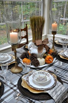 The main element of any thanksgiving day is a holiday table, and it should be great. Here are some beautiful ideas for different Thanksgiving table settings.
