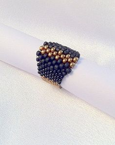 Woman's jewelry – Black and Gold Peyote beaded ring, best quality seed beads – artistic beaded ring –   Elegant black ring
