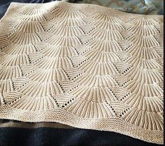 Ravelry: Project Gallery for Camilla Blanket pattern by Carrie Bostick Hoge - Knitting Easy Knitting Patterns, Stitch Patterns, Cable Knitting, Knitting Stitches, Free Knitting, Crochet Instructions, Knitted Baby Blankets, Baron, Loom Knitting Patterns