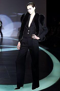 Valentino Fall 2001 Ready-to-Wear Fashion Show - Claudelle Perreault, Valentino Garavani