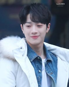 190114 Kuanlin arrived the place where Happy Camp filming. Produce 101, Rapper, Guan Lin, Baby Smiles, Lai Guanlin, First Love, My Love, Kim Jaehwan, Ha Sungwoon