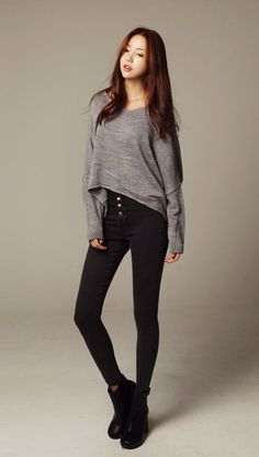 Korean fashion kpop · cute fall outfit with the slightly high-low grey sweater, high-waisted black Korean Fashion Kpop, Korean Fashion Online, Korean Fashion Trends, Ulzzang Fashion, Korea Fashion, Korean Outfits, Asian Fashion, Fashion Black, Street Fashion