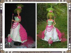 Défilé des modèles - Pipiouland.eklablog.com Barbie Dress, Crochet, Creations, Gowns, Christmas Ornaments, Holiday Decor, Dragon, Dresses, Tejidos