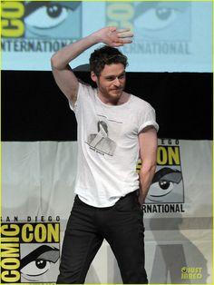 Emilia Clarke & Kit Harington: 'Game of Thrones' at Comic-Con!
