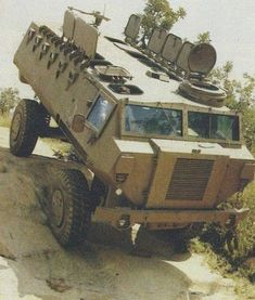 Army Vehicles, Armored Vehicles, Armored Truck, Arm Armor, Military Equipment, Cold War, 4x4, Armour, Monster Trucks