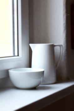 m o o d . julzember / Anja Linke 2019,  #winter #february #whitefloor #photographer #scandinaviandesign #nordic #inspohome #vintage #kitchen #mood #interior #interiorphotography #interiordesign #interiør #bohemian #kinfolk #weekend #solebich #homesweethome #home #ceramics #minimalism #bowl #milk #windows Kinfolk, Interior Photography, Scandinavian Design, Vintage Kitchen, Minimalism, February, Sweet Home, Milk, Bohemian