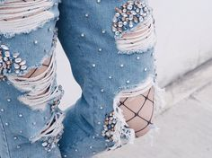 STILL obsessing over these jewel embellished @topshop jeans  I know what's going on my payday shopping list!!!!  [head over to the #TopshpStyle gallery for more awesome outfit inspo!]