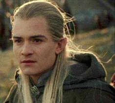 Ora il Milan trovi i soldi! Der Hobbit Film, O Hobbit, Mirkwood Elves, Lotr Elves, The Ring Series, Legolas And Thranduil, Jrr Tolkien, Orlando Bloom, Pirates Of The Caribbean