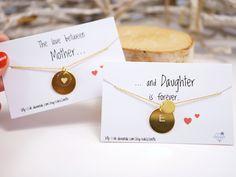 """_""""Eine Mutter ist der einzige Mensch auf der Welt, der Dich schon liebt bevor er Dich kennt.""""_  Wunderschönes Statement für Mutter und Tochter. Und natürlich auch für beste Freundinnen. ;) An..."""
