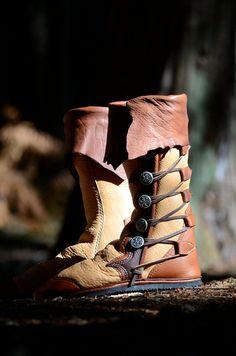 Renaissance Boots Custom Moccasin Boots Leather von SoulPathShoes